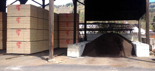 SDS lumber in Bingen now carries Dirt Hugger compost